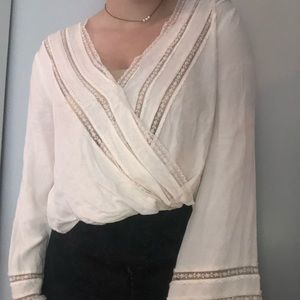 f21 beachy boho top with bell sleeves and lace